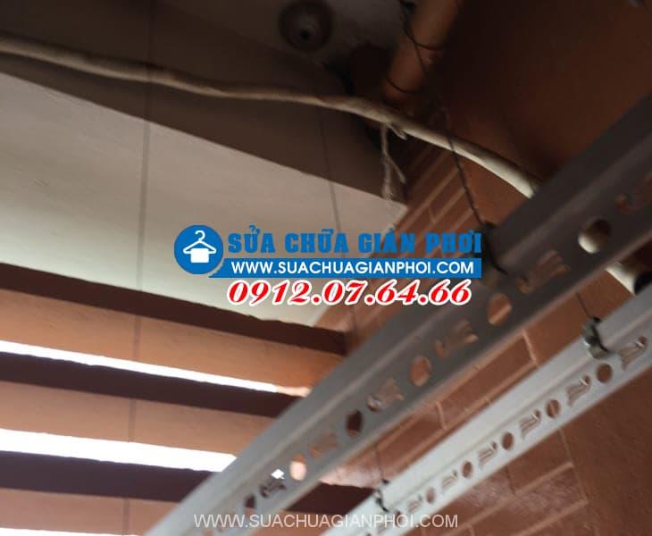Sửa giàn phơi tại chung cư Nghĩa Đô, Nghĩa Đô, Cầu Giấy, Hà Nội